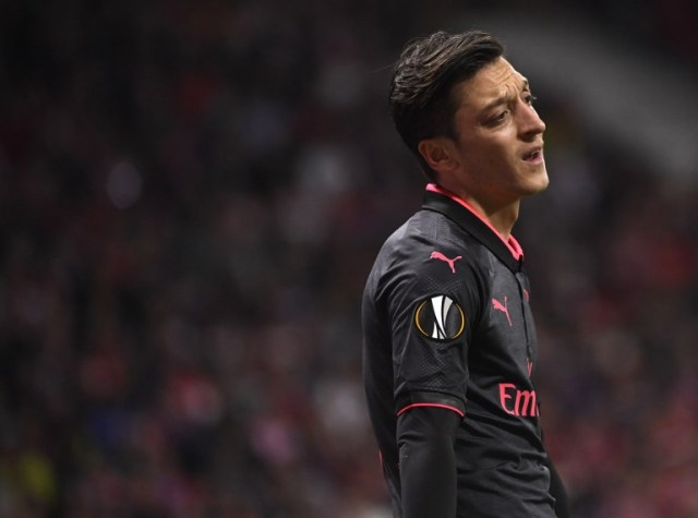 Mesut Ozil, mediocampista de la Selección de Alemania y del Arsenal inglés   FOTO: AFP / PIERRE-PHILIPPE MARCOU