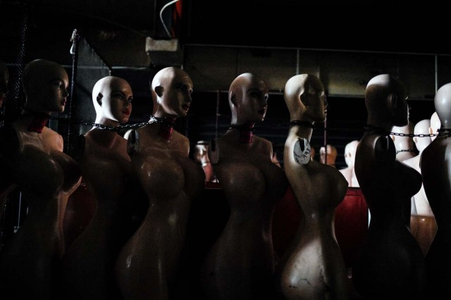 View of mannequins in a store in Maracaibo, Venezuela on May 3, 2018. Amid blackouts, skyrocketing prices, shortage of food, medicine and transportation, Venezuelans go to elections next May 20 anguished to survive one of the worst crisis in the oil country. / AFP PHOTO / Federico PARRA