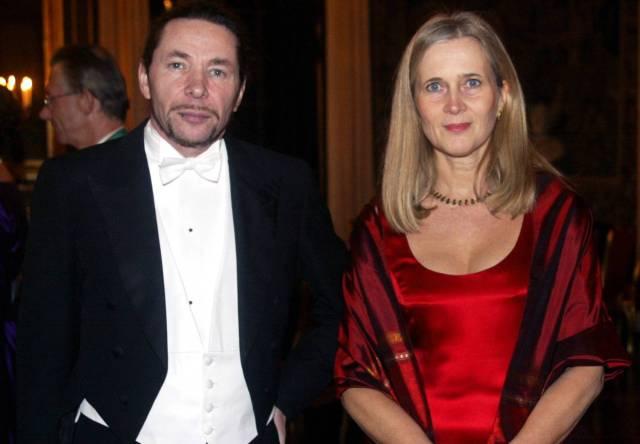 La académica Katarina Frostenson y su marido, el fotógrafo y dramatugo francés Jean Claude Arnault, acusado de abusos por 18 mujeres. JONAS EKSTROMER / AP