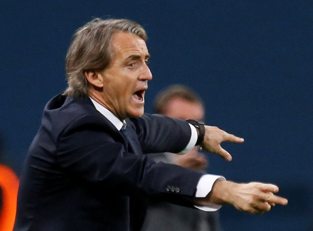 FILE PHOTO: FILE PHOTO: Soccer Football - Europa League Round of 32 Second Leg - Zenit Saint Petersburg vs Celtic - Stadium St. Petersburg, Saint Petersburg, Russia - February 22, 2018   Zenit St. Petersburg coach Roberto Mancini gestures    REUTERS/Anton Vaganov/File Photo/File Photo