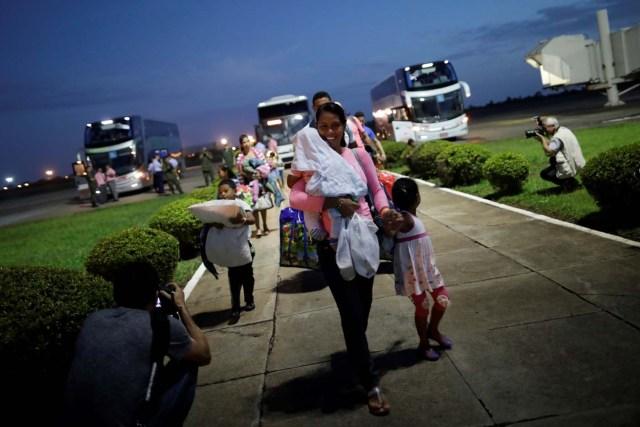 Venezuelan refugees arrive at Boa Vista Airport, Brazil May 4, 2018. REUTERS/Ueslei Marcelino