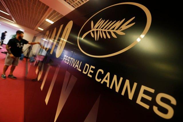 71 ° Festival de Cannes - Cannes, Francia, 7 de mayo de 2018. El símbolo de la Palme d'or se ve dentro del Palacio del Festival. REUTERS / Regis Duvignau