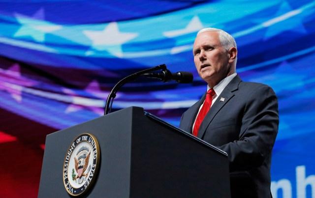 El vicepresidente de Estados Unidos, Mike Pence, dando un discurso frente a la Asociación Nacional del Rifle en Dallas, mayo 4, 2018. REUTERS/Lucas Jackson
