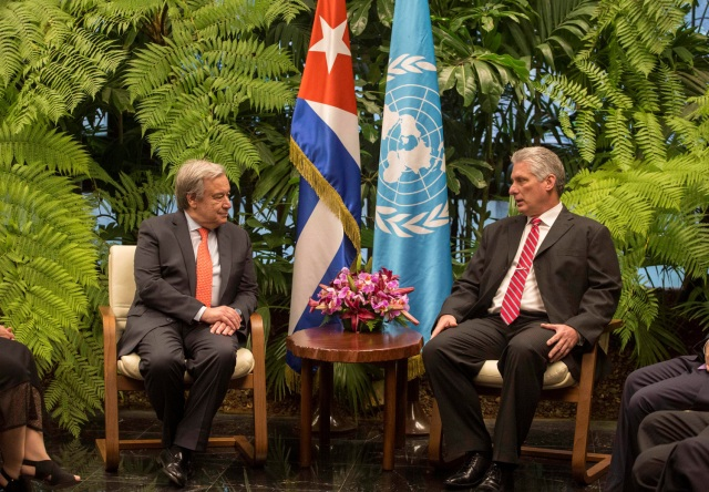 Cuban President Miguel Diaz-Canel (R) talks to United Nations Secretary General Antonio Guterres at the Revolution Palace in Havana, Cuba, May 7, 2018. Desmond Boylan/Pool via Reuters