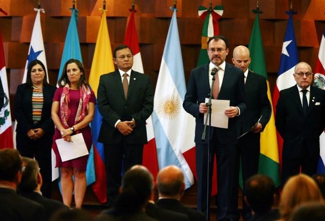 El canciller mexicano Luis Videgaray se dirige a los medios durante una reunión del Grupo Lima, formada el año pasado para presionar a Venezuela y cuyos países miembros monitorean las elecciones presidenciales venezolanas, en la Ciudad de México, México, el 14 de mayo de 2018. REUTERS / Edgard Garrido