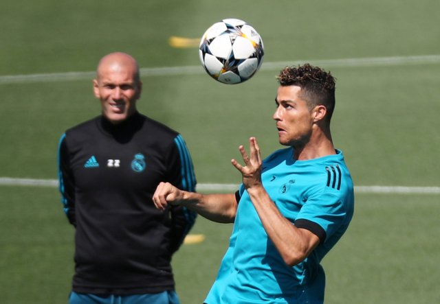 Soccer Football - Champions League - Real Madrid Training - Real Madrid City, Madrid, Spain - May 22, 2018   Real Madrid coach Zinedine Zidane and Cristiano Ronaldo during training   REUTERS/Sergio Perez
