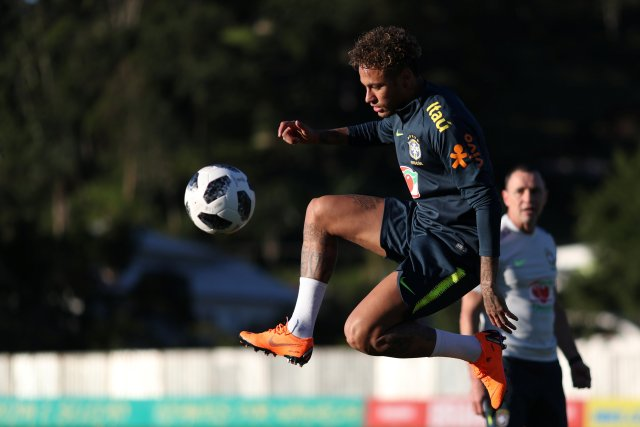 Brazil's soccer player Neymar trains at the Brazilian Soccer Confederation training center in Teresopolis, Brazil May 22, 2018. Lucas Figueiredo/Brazilian Soccer Confederation (CBF)/Handout via REUTERS ATTENTION EDITORS - THIS IMAGE WAS PROVIDED BY A THIRD PARTY. NO SALES. NO ARCHIVES