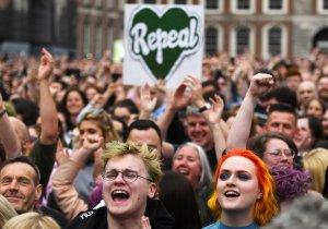 Parlamento de Irlanda aprueba el proyecto de ley para legalizar el aborto