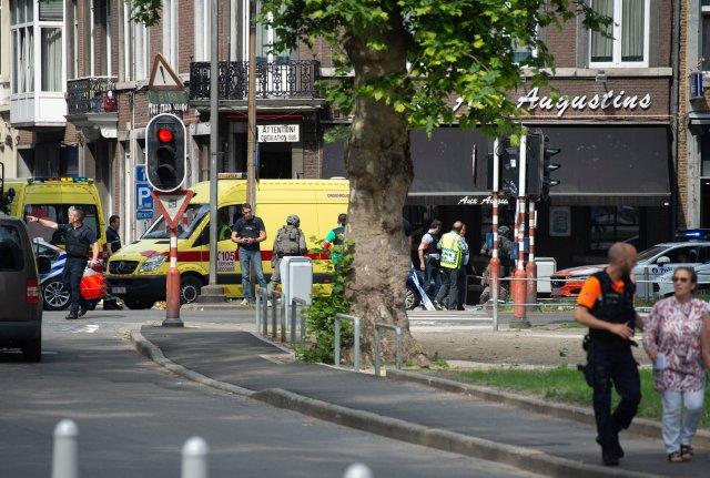 Los agentes de policía son vistos después de un tiroteo en Lieja, Bélgica, el 29 de mayo de 2018. REUTERS / Thomas Van Ass. BÉLGICA FUERA. NO RESALES SIN ARCHIVO