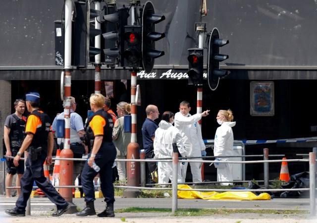 Expertos forenses en la escena del tiroteo en Lieja, Bélgica, 29 de mayo de 2018. REUTERS/Francois Lenoir