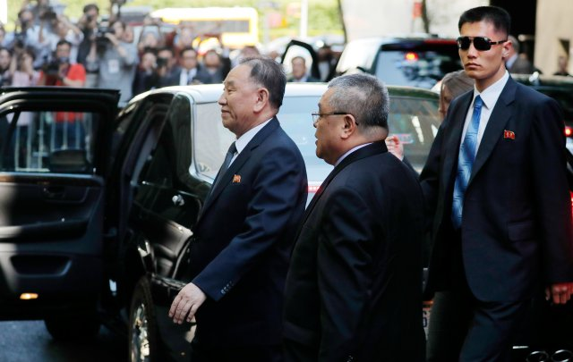 El enviado de Corea del Norte, Kim Yong Chol, llega a un hotel en Nueva York, EE. UU., El 30 de mayo de 2018. REUTERS / Lucas Jackson