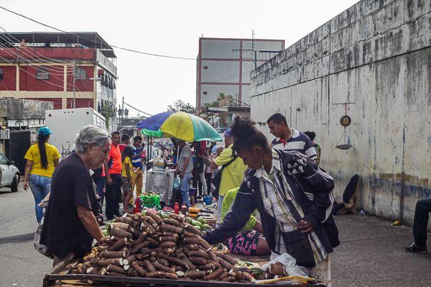 En los primeros tres meses del año los precios acumulan un alza superior a 400%, de acuerdo con las estimaciones de la Asamblea Nacional | Fotos William Urdaneta