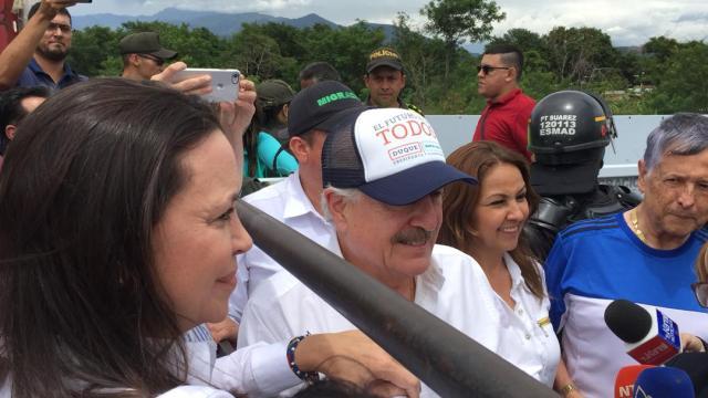 La dirigente del partido Vente Venezuela, María Corina Machado, se reunió este 14 de mayo con los expresidentes de Colombia Andrés Pastrana y Álvaro Uribe Vélez (Foto: Twitter Prensa María Corina)