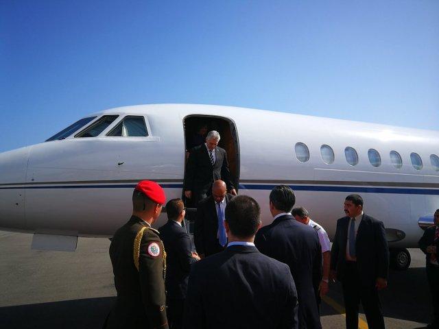 """A su llegada, Díaz-Canel expresó que """"traemos un mensaje fraterno y solidario del pueblo de Cuba al pueblo venezolano y al presidente Nicolás Maduro"""" (Foto: VTV CANAL 8 ?@VTVcanal8)"""