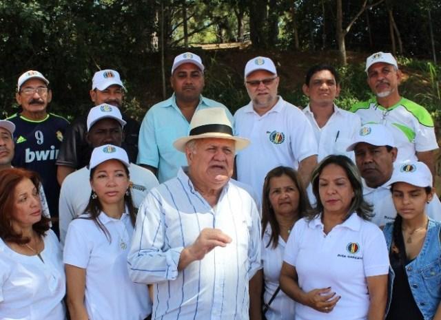 El secretario general de Acción Democrática en el estado Bolívar, Freddy Valera reveló que tanto la militancia de la organización como sus autoridades, fiel a los principios del partido y los lineamientos de su secretario general Henry Ramos Allup, han decidido no participar en la contienda electoral (Foto: Nota de prensa)