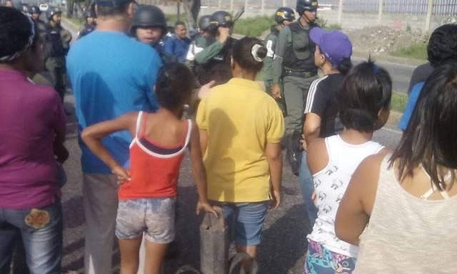 Foto: Protesta en Barquisimeto por escasez de alimentos  / Fe y alegría