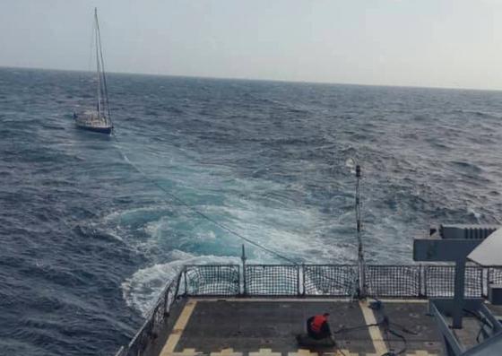Foto: Rescatan un velero de EEUU con dos tripulantes cerca de La Orchila / La Verdad de Vargas