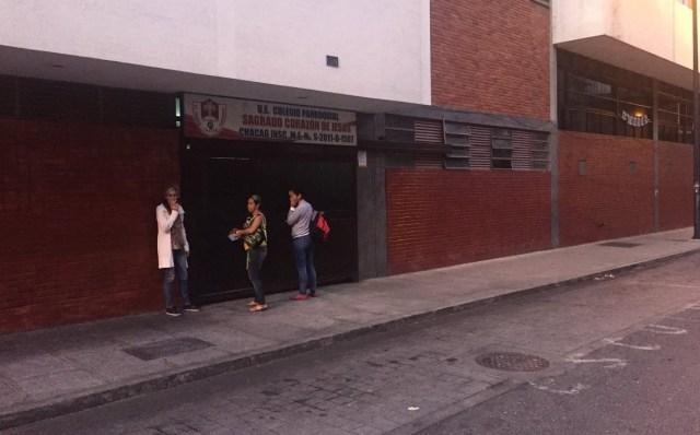 Centro electoral en Chacao, estado Miranda // Foto @coweddle