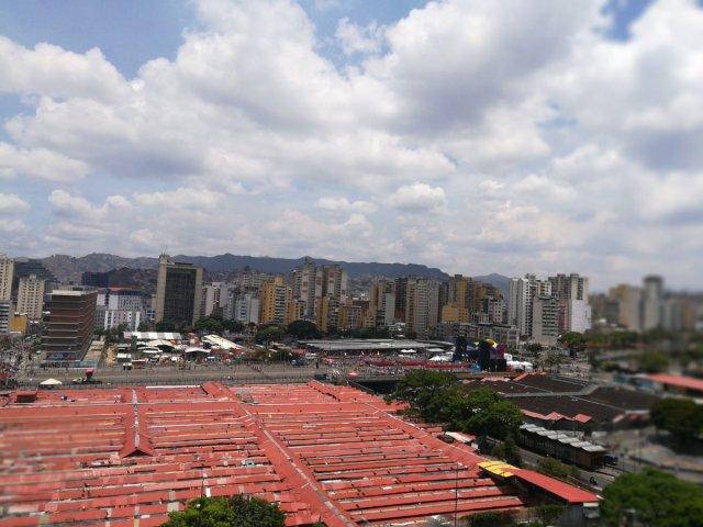 Foto: Vaciooo... Así se encuentra la avenida Bolívar para el cierre de campaña de Maduro / Cortesía
