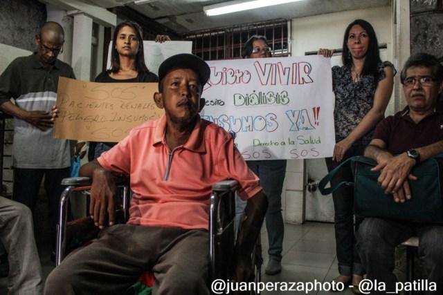Pacientes renales piden insumos médicos para las diálisis // Foto Juan Peraza - LaPatilla.com