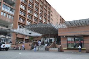 Las DEPLORABLES condiciones de las salas de descanso del Hospital Razetti en Barcelona (FOTOS)