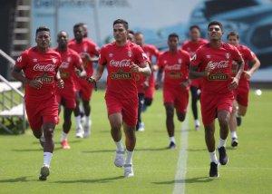 Perú necesita domar a Francia para que la fiesta rusa no termine