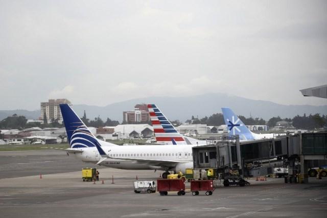 Cerraron pista del Aeropuerto Intercancional de Guatemala AFP / Johan Ordóñez