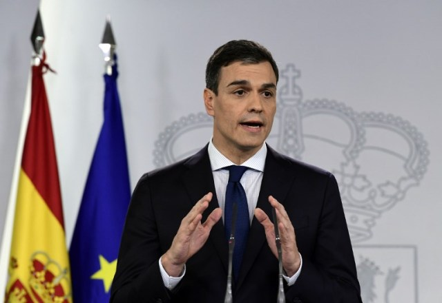 El primer ministro español, Pedro Sánchez, habla durante una conferencia de prensa para anunciar a los nuevos miembros de su gabinete en el palacio de La Moncloa en Madrid el 6 de junio de 2018 / AFP PHOTO / JAVIER SORIANO