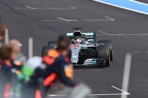 Lewis Hamilton amplía su contrato con Mercedes hasta 2020