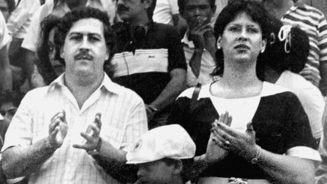 Imagen de archivo de Pablo Escobar, junto a su esposa María Victoria Henao y su hijo Juan Pablo Escobar, ahora conocido como Sebastián Marroquín. (FOTO: AP)