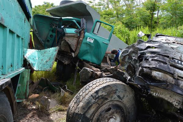 Accidente de tránsito ocurrido en la carretera hacia el municipio de Manzanillo, a 10 kms. de la ciudad de Bayamo, en la provincia Granma, Cuba, el 11 de junio de 2018.   ACN  FOTO/ Armando Ernesto CONTRERAS TAMAYO/ rrcc