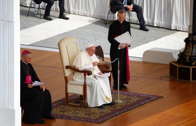 El Papa Francisco encabeza la audiencia general del miércoles en la plaza de San Pedro en el Vaticano, el 6 de junio de 2018. REUTERS / Stefano Rellandini