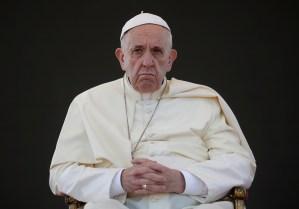El papa Francisco pide perdón por heridas y ofensas a los chilenos