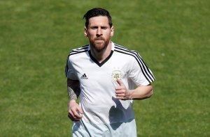 Lionel Messi se queda en el gimnasio con los titulares