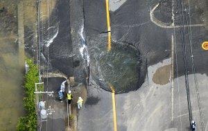 Así quedaron las calles de Japón tras el fuerte terremoto (FOTOS)