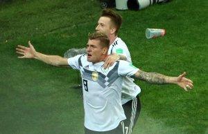 En FOTOS: Toni Kroos sacó la cara por una Alemania que no se rinde en #Rusia2018
