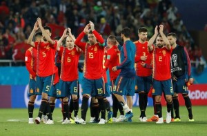 EN FOTOS: El VAR le da el primer puesto del Grupo B a España