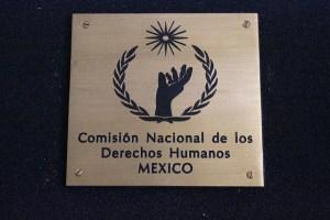 Comisión DDHH exige investigación en la muerte de seis policías en México
