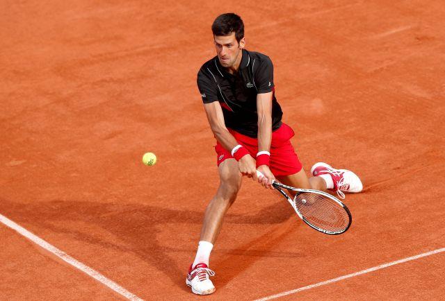 Novak Djokovic venció a  Fernando Verdasco para meterse en cuartos de final del Roland Garros EFE/EPA/GUILLAUME HORCAJUELO