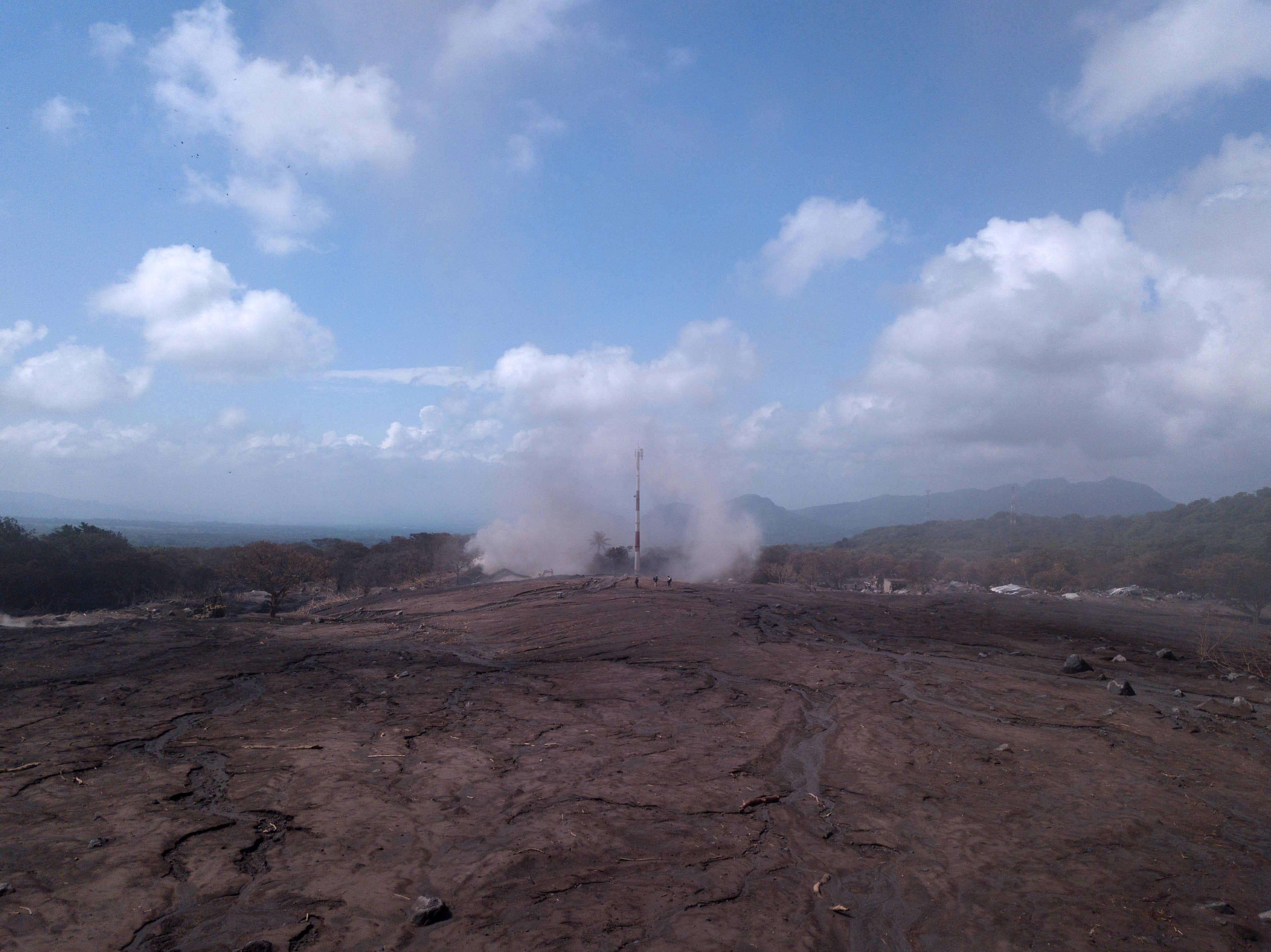 Aumenta a 332 los desaparecidos por erupción del volcán en Guatemala
