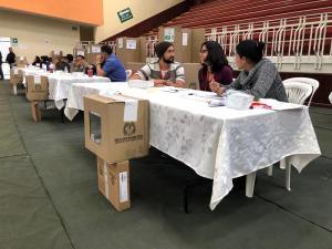 Cierran las mesas de votación en histórica segunda vuelta en Colombia