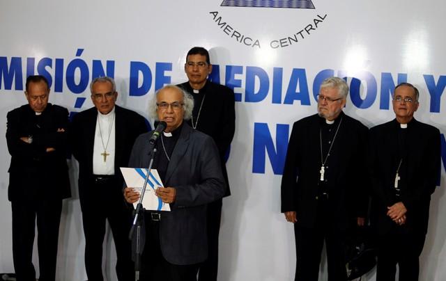 El cardenal católico Leopoldo Brenes habla durante una conferencia de prensa después de una reunión con el presidente de Nicaragua, Daniel Ortega, en Managua, Nicaragua, 7 de junio del 2018. REUTERS/Oswaldo Rivas
