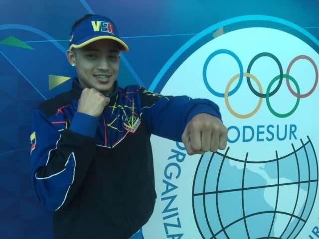El boxeador Yoel Finol se bañó de oro en Cochabamba | Foto: Twitter @PuntoOlimpico