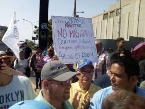 Zulianos le exigen respuesta a Corpoelec por los cortes eléctricos #8Jun