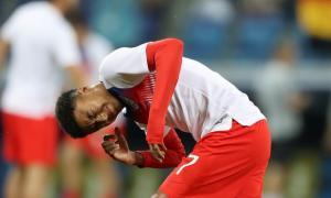 ¡Insólito! Enjambre de mosquitos atacó a jugadores en el partido entre Túnez e Inglaterra