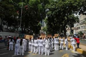 Enfermeras en paro nacional indefinido en todo el país