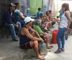 Diputada Marialbert Barrios denunció que precio del gas se subasta en el barrio El Limón