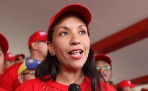 Ni ella lo entendió: Ministra chavista se enredó con los números mientras mentía sobre la crisis del agua (VIDEO)