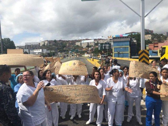 Enfermeros protestaron por dos meses sin electricidad en Hospital de Coche