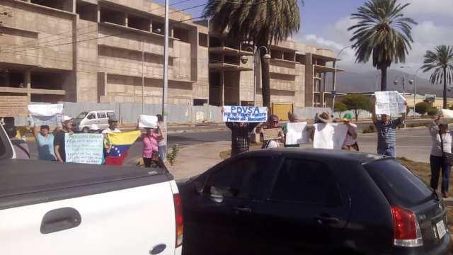 Foto: Pensionados y ex trabajadores  de Pdvsa protestan en Nueva Esparta / Reporte Confidencial